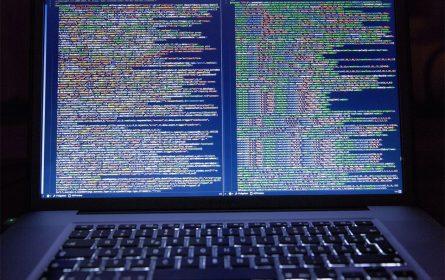 Laptop, hakerski upad, kodiranje (Foto: ilustracija / pxhere)