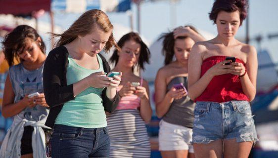 Smartfonci mogu da odahnu, ipak im ne rastu rogovi od pametnih telefona