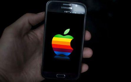 Tužio Apple tvrdeći da su ga pretvorili u homeseksualca