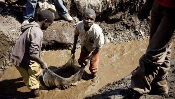 Porodice iz Konga tužile Teslu, Apple i Microsoft za saučesništvo u smrti djece u rudnicima kobalta
