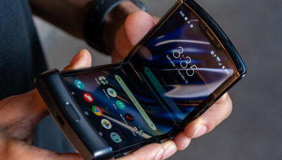 Motorola zbog velike potražnje odlaže Razr