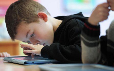 Dan za bezbjedniji internet, kako zaštititi djecu?