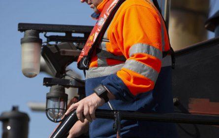 Elektronske narukvice zaposlenima da poštuju društvenu distancu