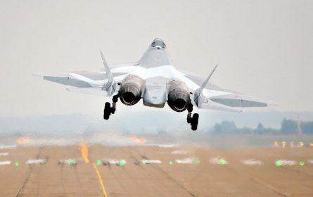 Ruski borbeni avion SU-57 letio bez pilota?