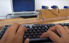 Napravio tastaturu koja oponaša zvuk pisaće mašine