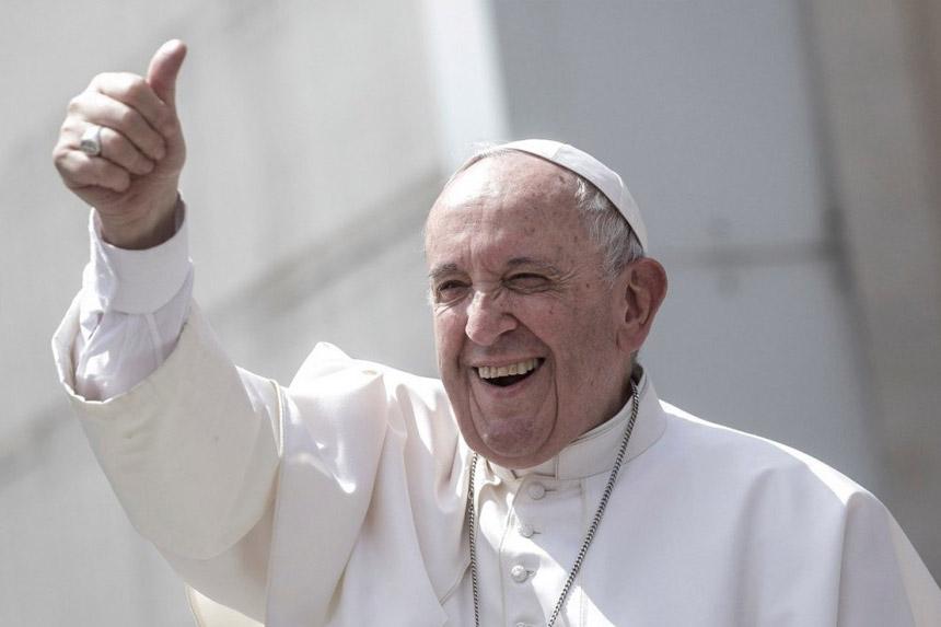 Vatikan: Papa nije lajkovao provokativnu fotografiju brazilske manekenke na Instagramu