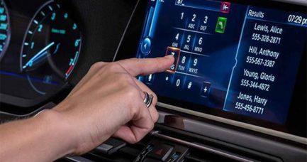Proizvođači forsiraju ekrane osjetljive na dodir, a vozači bi fizičke komande
