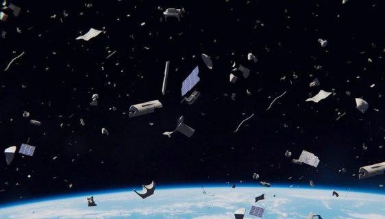 Japanci razvijaju drvene satelite kako bi se smanjio svemirski otpad