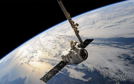 SpaceX satelit, planeta Zemlja (foto: pexels)